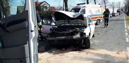 Pasażer zaciągnął hamulec w czasie jazdy. 3-letnie dziecko w szpitalu