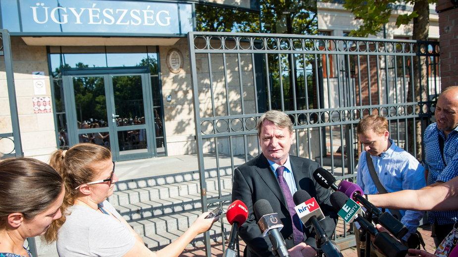 Bela Kovacs przed budynkiem sądu w Budapeszcie, 19.08. 2017 r.
