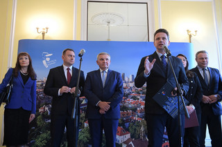 Trzaskowski: Premier ma czelność mówić, że to samorządy nie dopłacają do edukacji, a jest dokładnie na odwrót