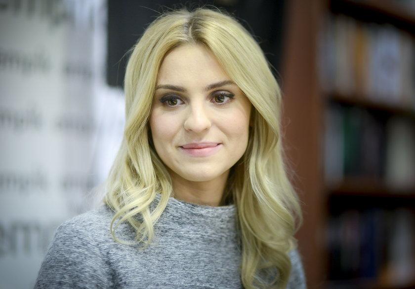 """Kasia Tusk bezlitośnie wyśmiewa swoje stare stylizacje. """"Ciary żenady"""""""