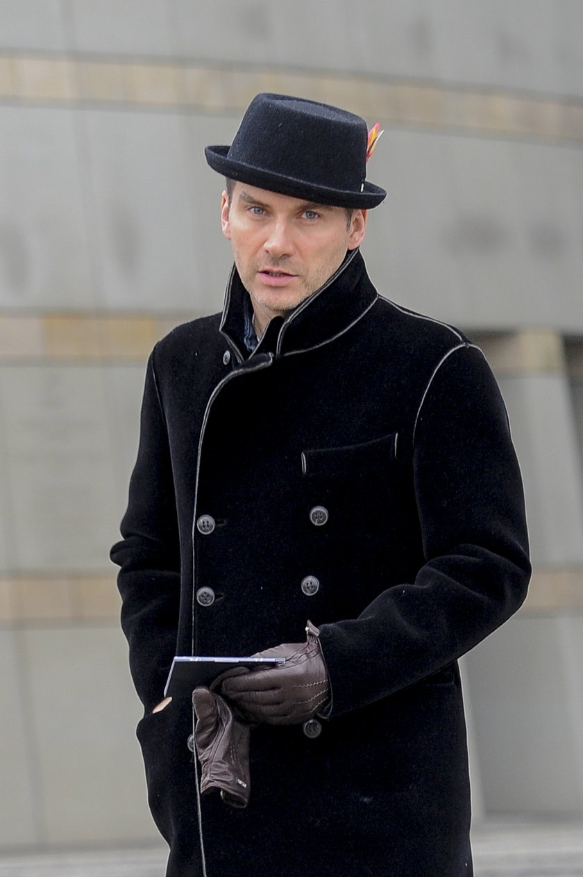 Tomasz Kammel w czerni