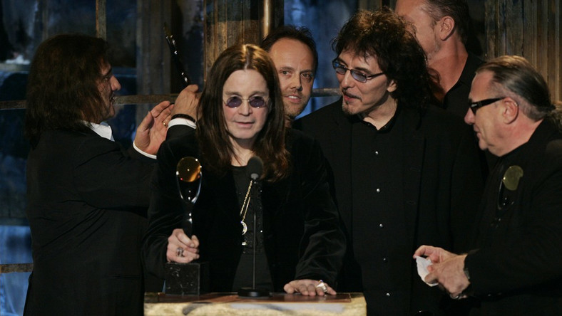 Muzycy Black Sabbath i Metalliki w trakcie gali Rock and Roll Hall of Fame w 2006 roku