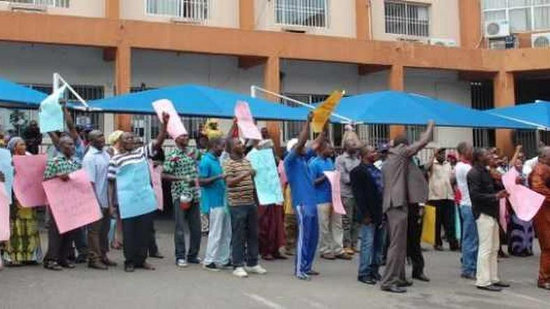 Adamawa healthcare workers protest over salaries