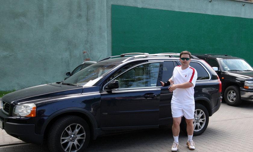 Adam Hofman i jego samochody.