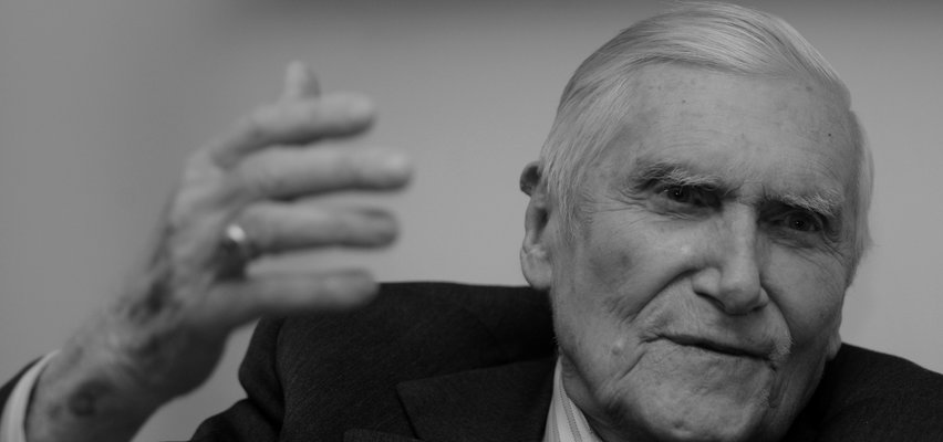 Nie żyje prof. Witold Kieżun. Powstaniec ze słynnego zdjęcia