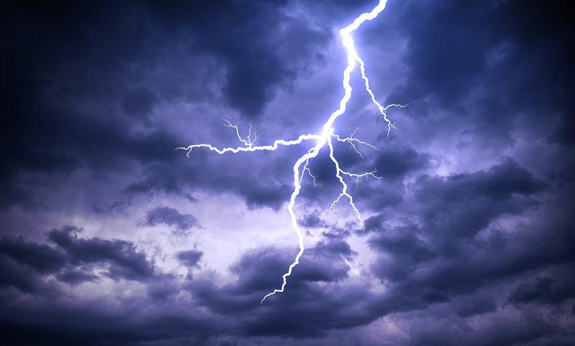 IMGW ostrzega przed upałem i burzami w niemal całym kraju