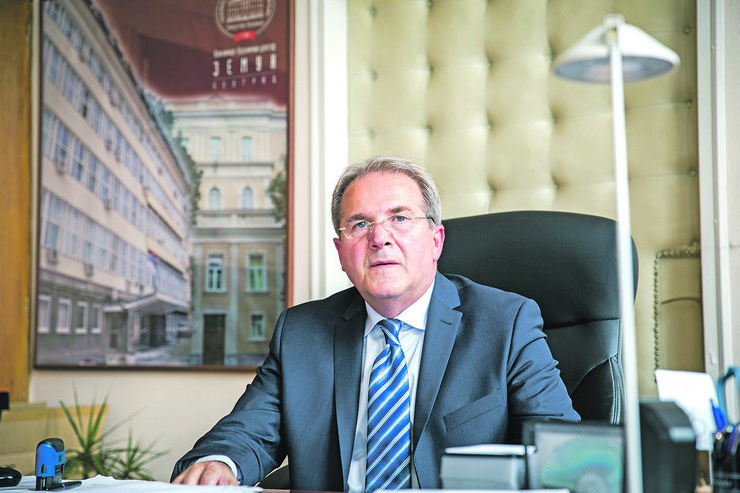 dr Dragoš Stojanović