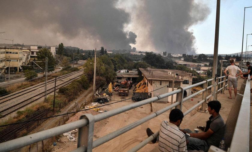 Grecja: pożar w pobliżu Aten