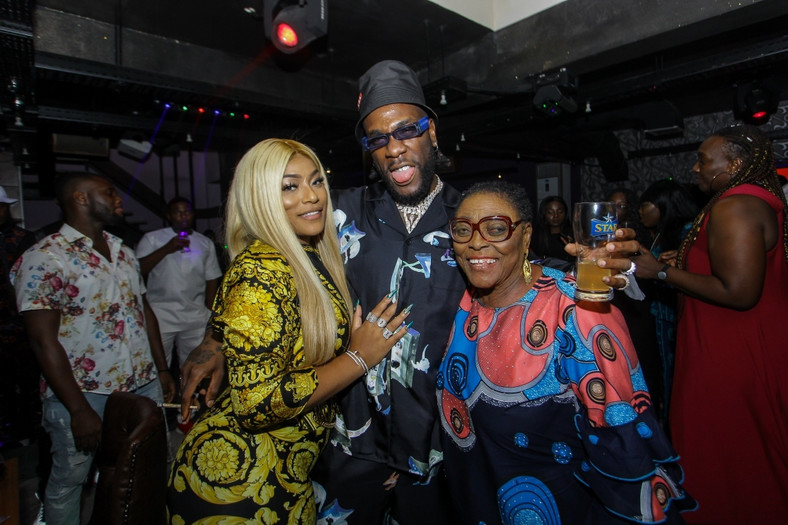 Burna Boy, Stefflon Don chilling with his grand mother [BukiHQ]