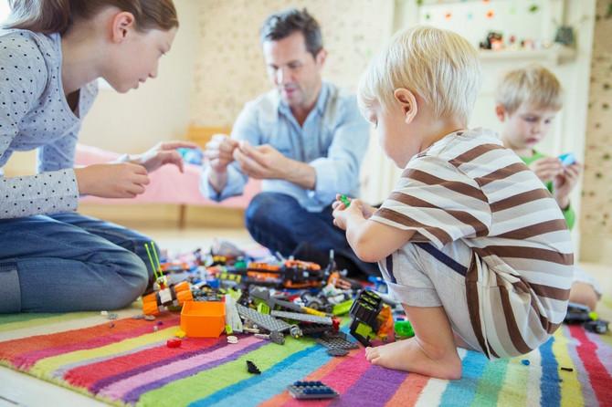 Pustite decu da se igraju sa drugom decom