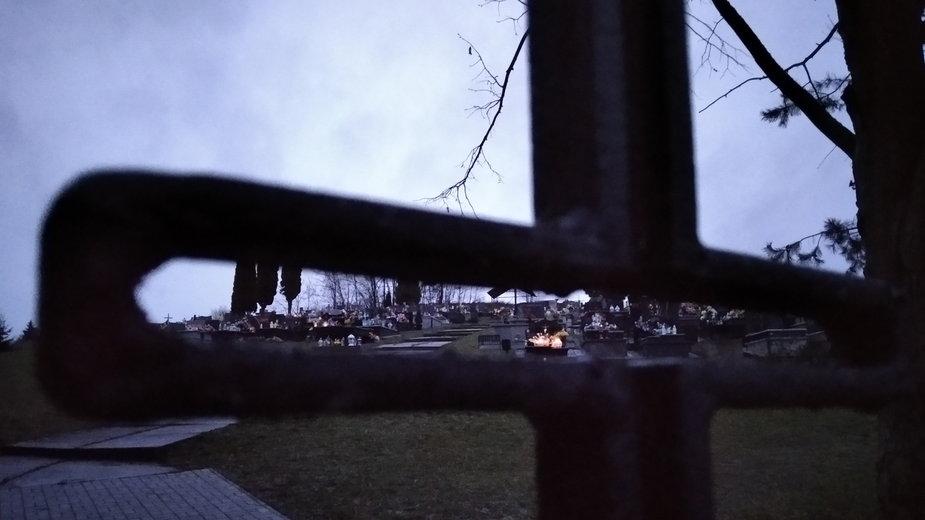 Czy po śmierci apostata może spocząć na cmentarzu parafialnym?