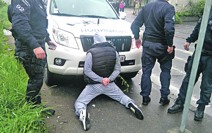 U Kruševcu upucan radnik obezbeđenja iz osvete zbog prethodnog sukoba u kafiću u kome radi kao obezbeđenje!