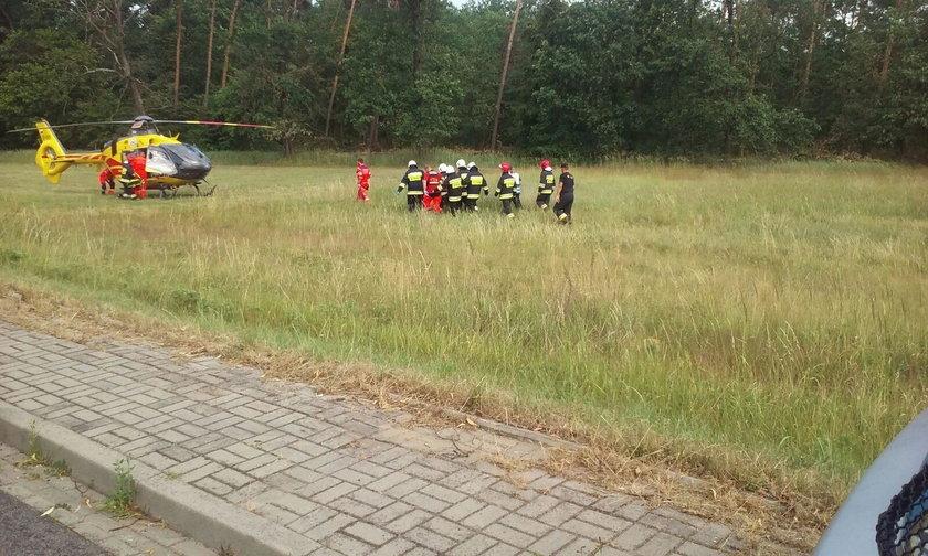 Kierująca została zabrana przez helikopter Lotniczego Pogotowia Ratunkowego