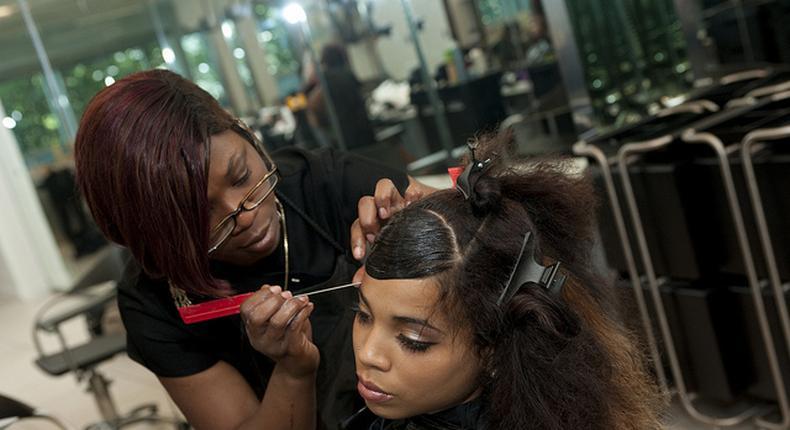 Hairdresser (mdhairmixtress)