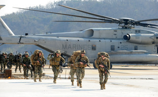 USA chcą rozszerzyć walkę z IS poza Irak i Syrię