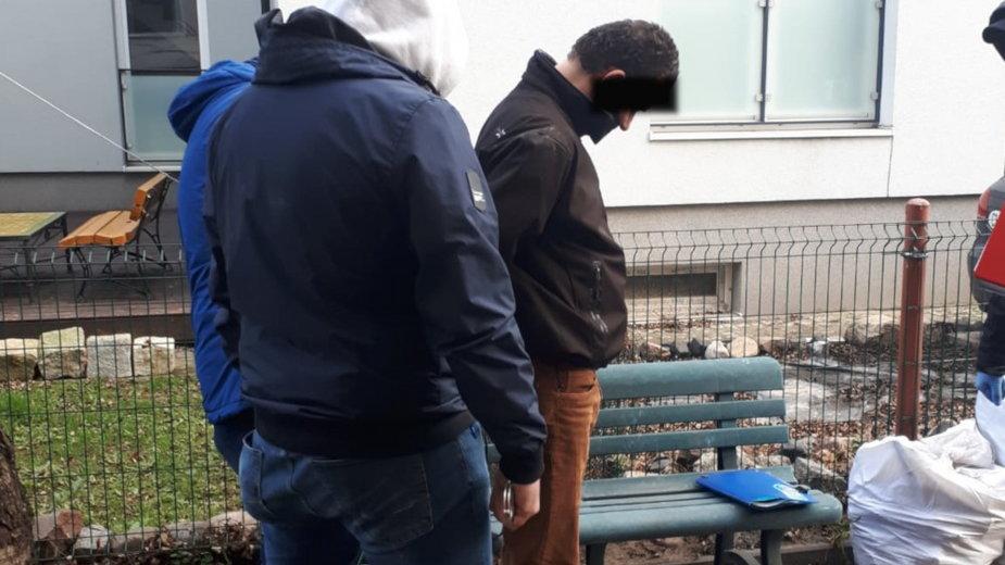 Zatrzymany 41-latek trzymał kości zmarłego ojca w piwnicy