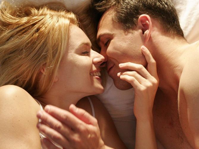 UPOZORITE svog muškarca na vreme: Ova navika u SEKSU veoma je OPASNA po njegovo zdravlje