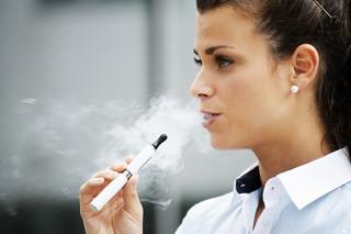 E-papierosy: Mgiełka pełna kontrowersji