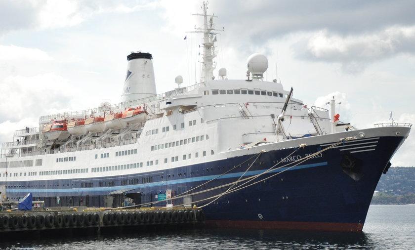 65-letnia emerytka z Wielkiej Brytanii przez cztery godziny goniła wpław wycieczkowiec na wodach Atlantyku