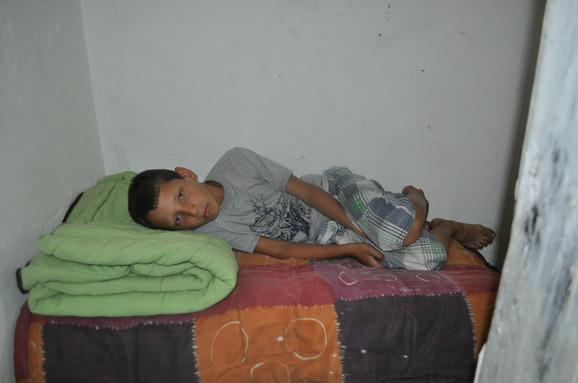 Mihajlu krevet do kolena
