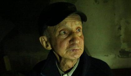 """Schorowany staruszek mieszka w altance. """"Pewnie w grudniu też tu będę"""""""