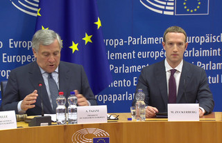 Szef PE chwali spotkanie z Zuckerbergiem, a europarlamentarzyści są niezadowoleni
