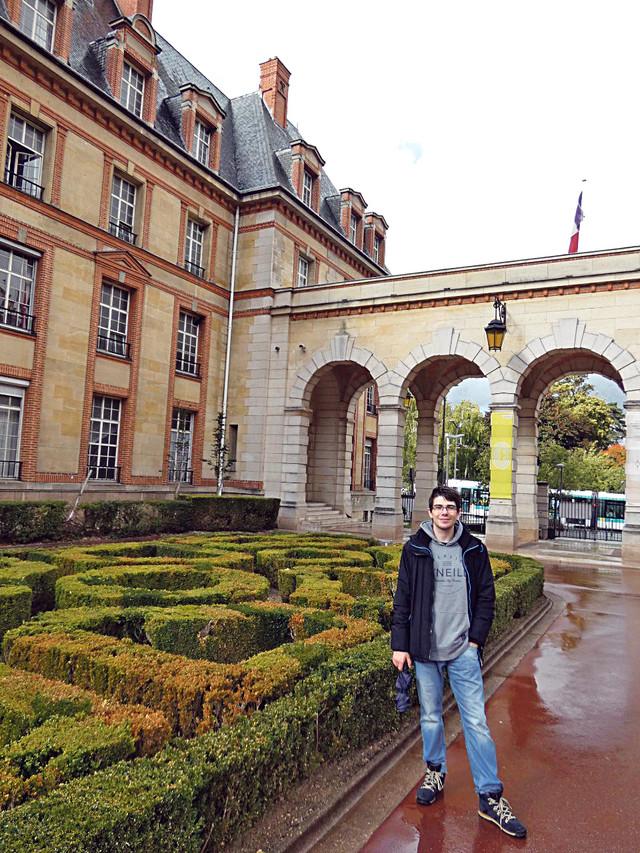 Matija Srećković je nastavio svoje studije u Parizu