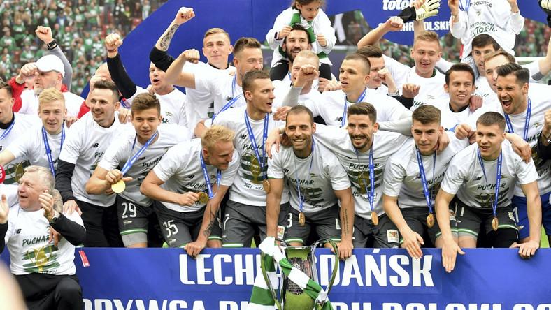 Zdobywcy piłkarskiego Pucharu Polski, drużyna Lechii Gdańsk na PGE Narodowy w Warszawie