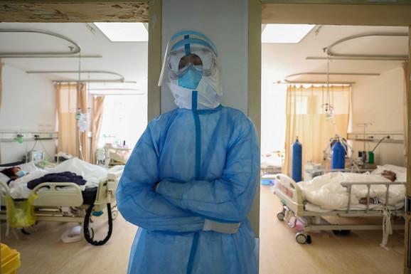 Za biranje vrste virusa postoji zvanična procedura, ali ne i za ime virusa u opštoj upotrebi