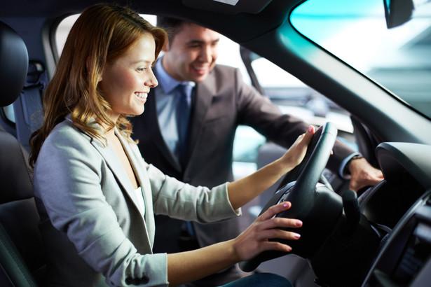 Część firm samochodowych ma już nawet w połowie wykonany budżet na 12 miesięcy, a niektóre luksusowe marki sprzedały tyle aut co w całym 2013 r.