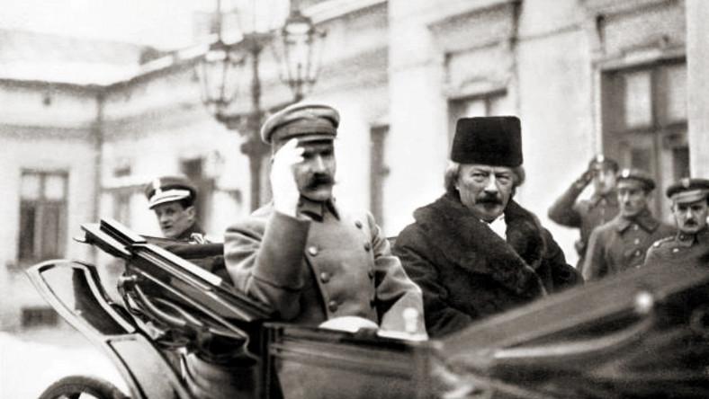 """Józef Piłsudski i Ignacy Jan Paderewski (styczeń 1919), źródło: Adam Szelagowski """"Wiek XX', Warszawa 1937, first published in January 1919 in Kurier Warszawski"""