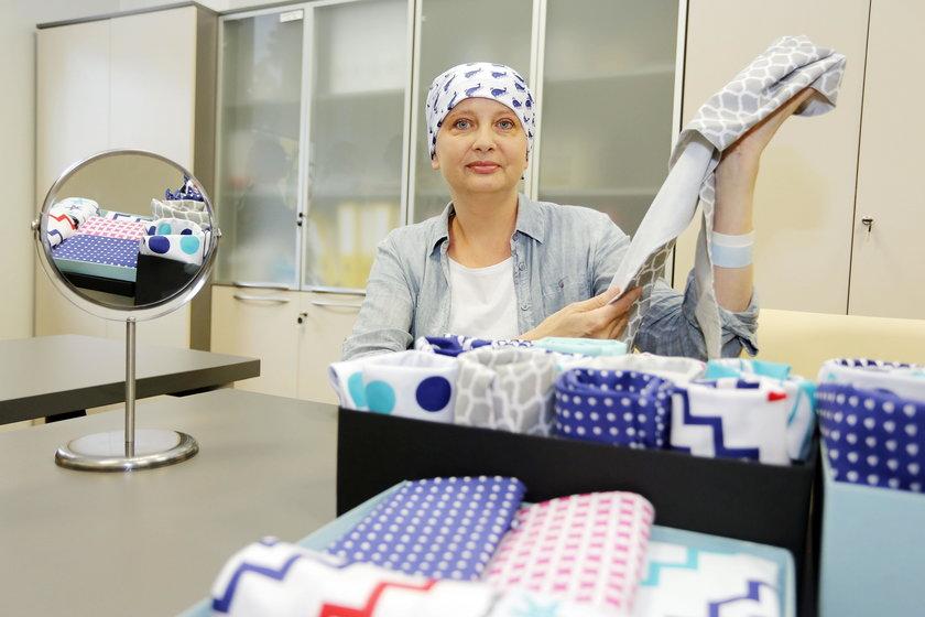 Wyjątkowe chusty zaprojektowane przez pacjentki