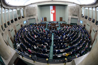 Sejm przyjął nowelizację ustawy o służbie cywilnej