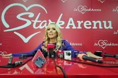Lepa Brena okupila estradu na koncertu u Areni, sve oči uprte u trudnu Aleksandru Prijović