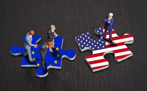 Choć UE stosuje wyższe cła na produkty z USA, to mniej zarabia