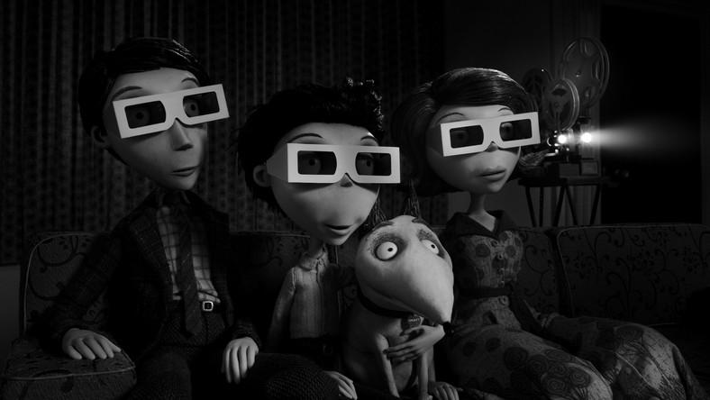 """Tim Burton nie kryje, że """"Frankenweenie"""" – opowieść o nastolatku, którego marzeniem jest przywrócenie życia swojemu pupilowi – to jedno z jego ukochanych dzieł. Od początku pomyślane było jako pełnometrażowy film zrealizowany w całości techniką animacji poklatkowej, która fascynowała go od czasu obejrzenia """"King Konga"""" Coopera i Schoedsacka z 1933 roku"""