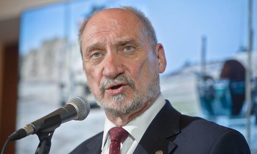 Macierewicz o raporcie podkomisji smoleńskiej i Rosjanach, którzy nie są w stanie nam zagrozić