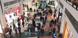 W weekend w sklepach były tłumy. Premier zlecił kontrole