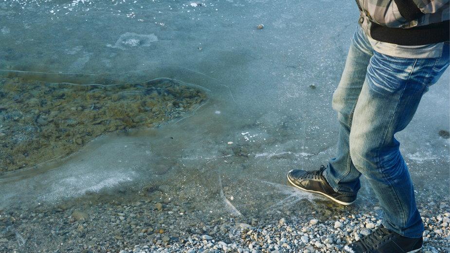 Lód na jeziorze