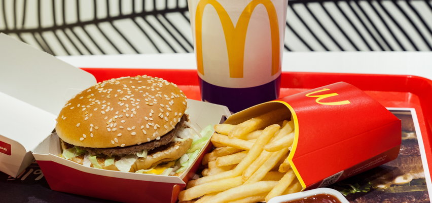 Problem z hamburgerami i frytkami z McDonald'sa. Protest 100 osób, paraliż 1900 ciężarówek, skargi klientów...