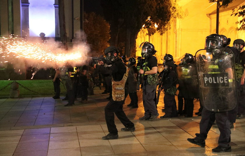 Krwawe zamieszki pod parlamentem w Gruzji