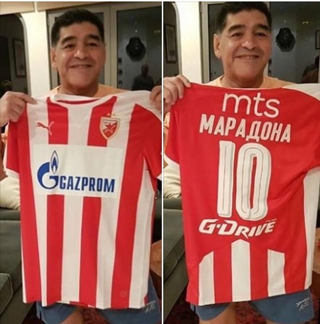 Dijego Maradona sa dresom Crvene zvezde