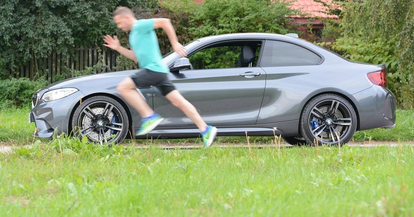 BMW M2 Coupe mimo, że ma turbo, to reaguje błyskawicznie i nie każe czekać na moc