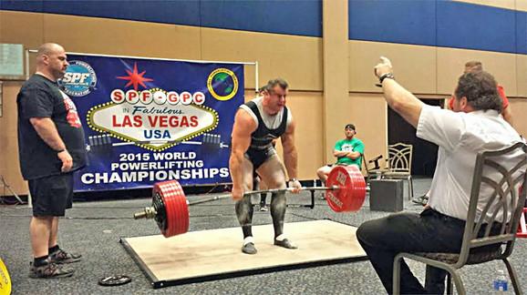 Kruna desetogodišnjih vežbi i takmičenja: Aleksandar Stanković podiže 352,5 kilograma i postaje šampion sveta