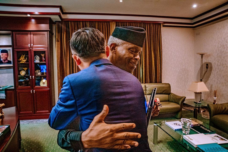 Vice President Yemi Osinbajo in warm embrace with co-founder of Alibaba Group, Jack Ma. [Twitter/@NigeriaGov]