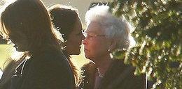 Księżna Kate całuje się z królową! Dużo FOTO