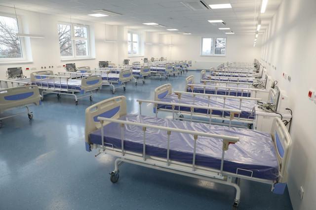 Nakon epidemije, ova bolnica, inače površine 18.000 kvadratnih metara, moći će da se koristi i za druge namene jer ima i salu za porođaje, kao i angio-salu