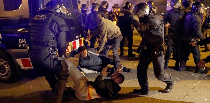Starcia separatystów z policją w Barcelonie. Wielu rannych po El Clasico
