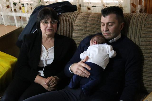 Nakon mesec dana Tadija je smešten je u hraniteljsku porodicu a tom prilikom posetio ga je i ministar Đorđević