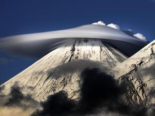 Lenticular Clouds in Russia / Lenticular Clouds in Russia /1162284